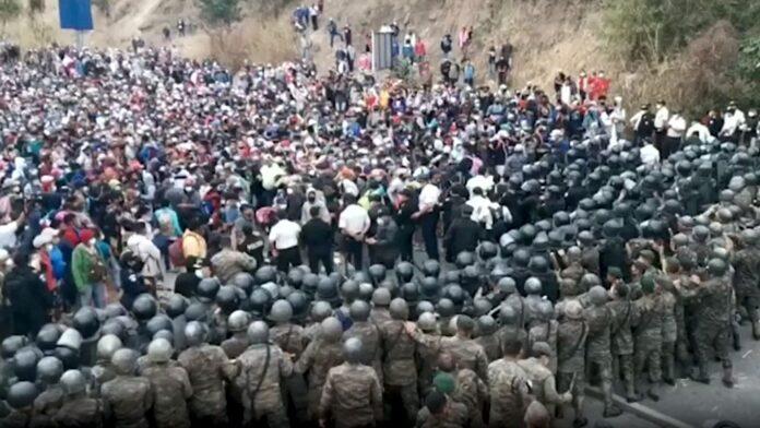 Honduras caravan moving into Guatemala