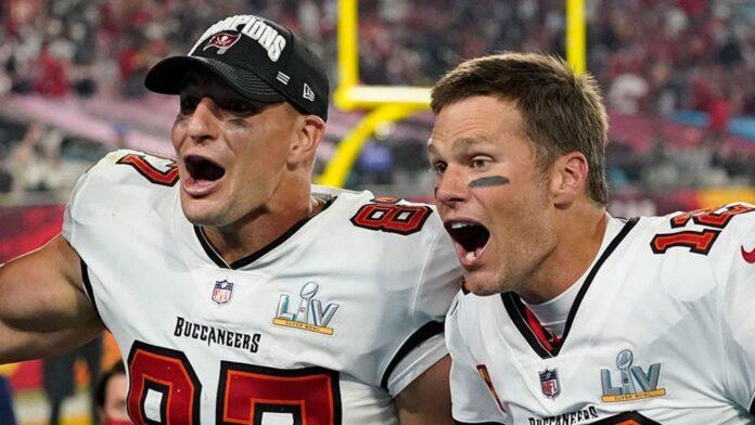 Rob Gronkowski and Tom Brady celebrate NFL Super Bowl