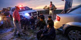 Kinney County Sheriff Arrests Smuggler and Illegals