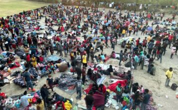Thousands of illegal immigrants amass in Del Rio, Texas