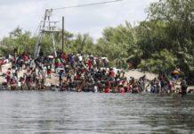 Illegal Immigrants on U.S. side of Rio Grande